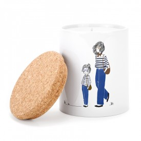 Ceramic candle: Mother and daughter in jeans